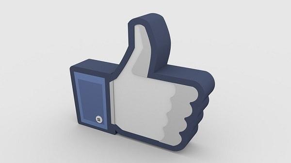 Come-mettere-mi-piace-a-nome-pagina-facebook